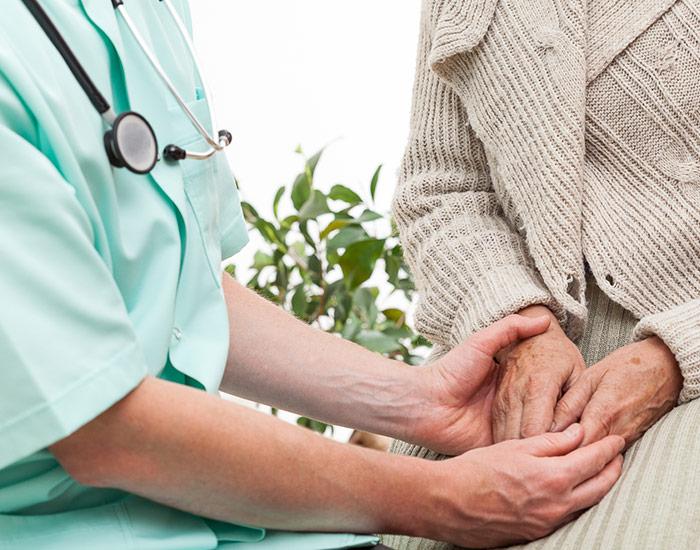 Infirmière D.E. pour des soins techniques